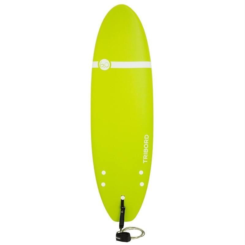 Planche de surf en mousse 100 6'. Livrée avec leash et ailerons.