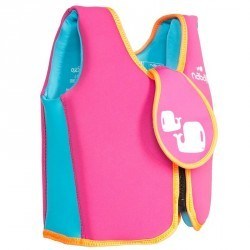 Gilet de natation pour les enfants déjà à l'aise qui se deplacent dans l'eau
